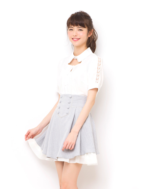 ダブルボタンバックリボンスカート